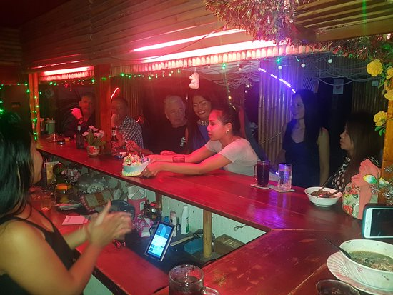 Mae Nam, Thailand: Boss Amy doing best