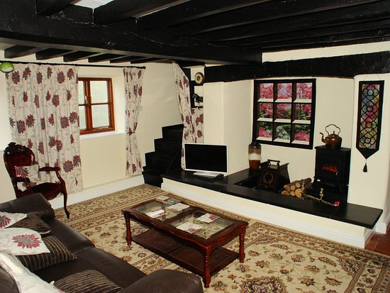 Chirk, UK: Cottage Lounge