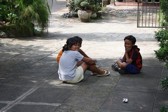 Anturan, Indonesia: hygge i indkørselen