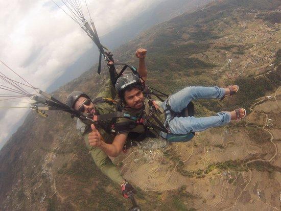 Team 5 Nepal Paragliding: joy