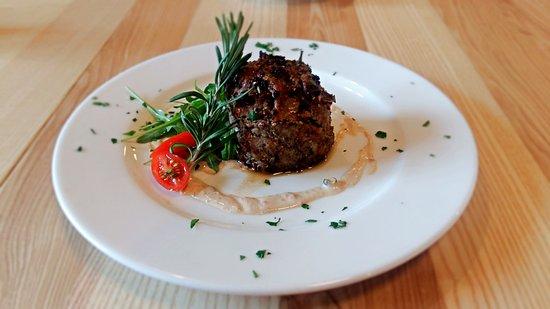 Celadna, Czech Republic: Hovězí steak z víkendové nabídky.