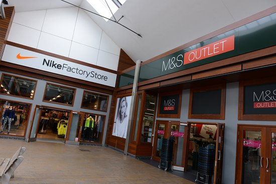 Nike Factory Store and M&S Outlet - Bild från Affinity Devon Outlet ...