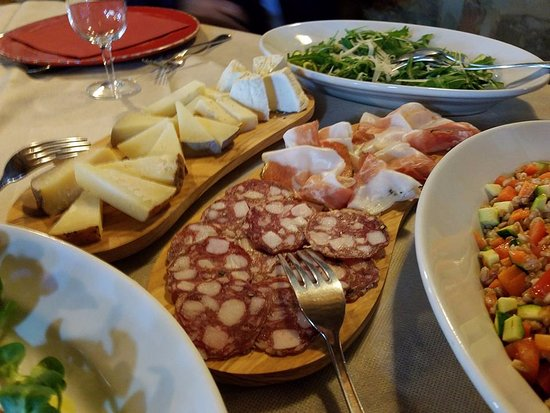 Peccioli, Italy: the freshest, most delicious lunch i've ever had
