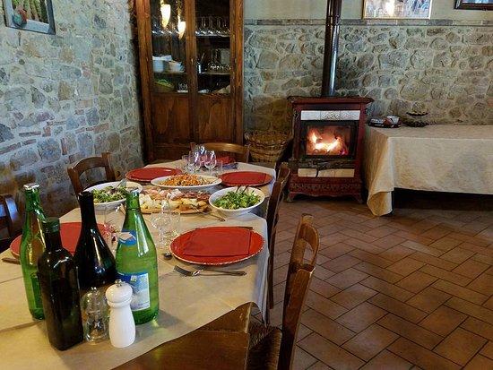 Peccioli, Itália: lunch at Fattoria Lischeto