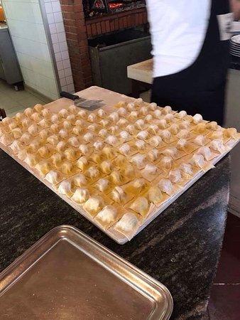 Dicomano, อิตาลี: Cappellacci alle patate e fiorentina