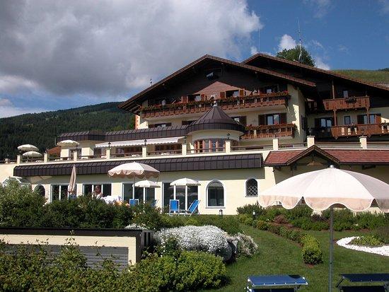 Piscina sospesa bild von alpin panorama hotel hubertus sorafurcia tripadvisor - Piscina hotel hubertus ...