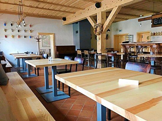 Celadna, Czech Republic: Interiér Restaurace Na Rozcestí