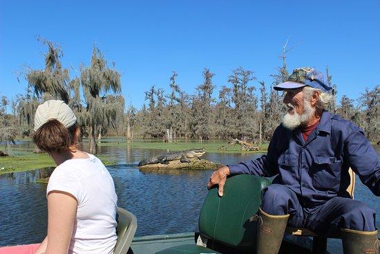 LeBlanc Swamp Tours: Norbert Leblanc à la barre, alligator au soleil