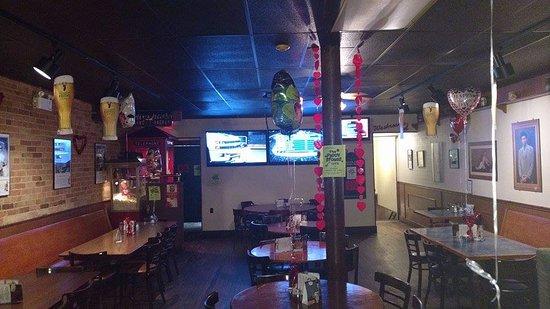 Tillsonburg, كندا: Valentine decor-Back section.