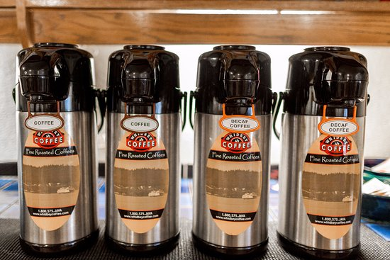 Oak Harbor, WA: Local Whidbey Coffee available all-day in the lobby!