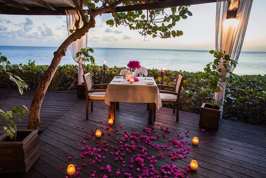 Turners Beach, Antigua : Setting for a romantic dinner