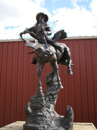 Wall, SD: Statue in the Backyard