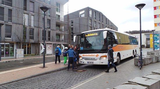 Green City Hotel Vauban: A pochi metri dall'Hotel parte l'autobus per le piste da sci