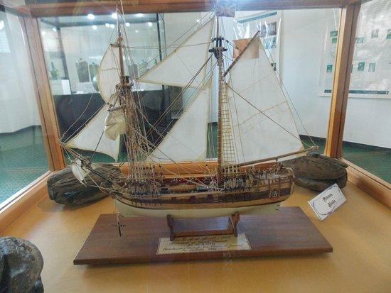 Puerto Deseado, Argentinië: Replica de la Corbeta  H.M.S. Swift