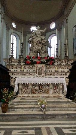 Basilica di Santa Maria di Castello: l'altare