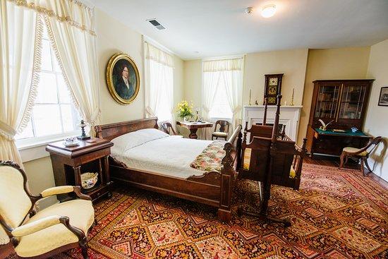 Conde-Charlotte Museum: Jonathan and Elizabeth Kirkbride Bedroom