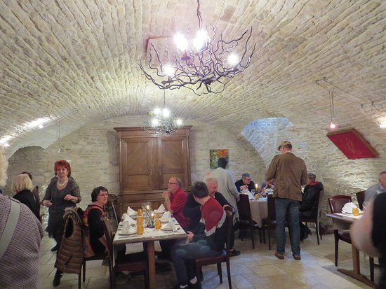 Hotel-Restaurant Le Marius : De la belle pierre