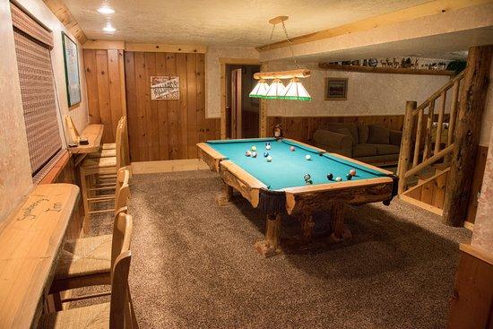 Eden, UT: Pool table
