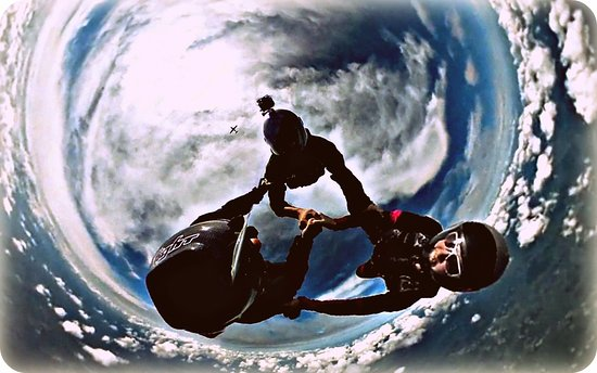 Killingly, CT: Licensed skydivers exit airplane