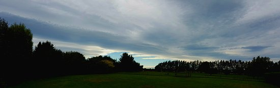 Invercargill, نيوزيلندا: Moody Southern Sky