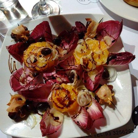 One of El Laurel's salads