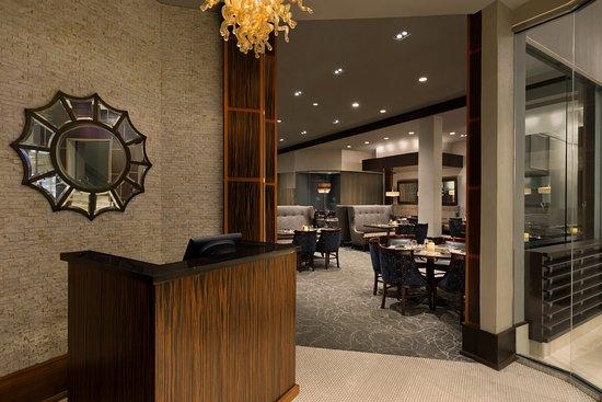 Hilton Philadelphia City Avenue: Delmonicos