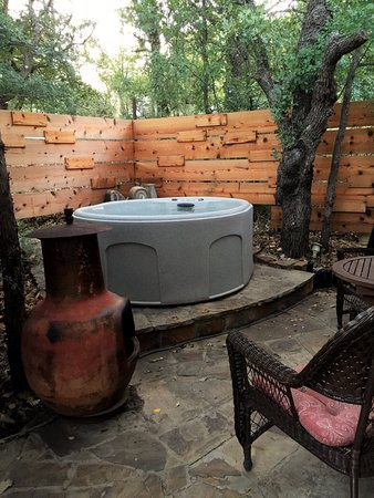 Brownwood, TX: The Willowbend Private Hot tub