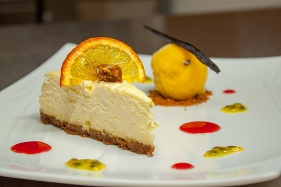 Uturoa, French Polynesia: Dessert : Cheesecake fruits de la passion