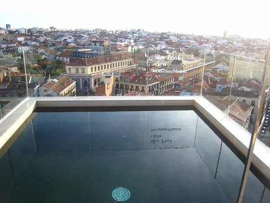 Rooftop Pool With View Picture Of Dear Hotel Madrid Madrid Tripadvisor