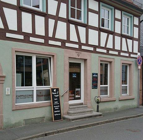 Herzogenaurach, Deutschland: CAPPUCCINO