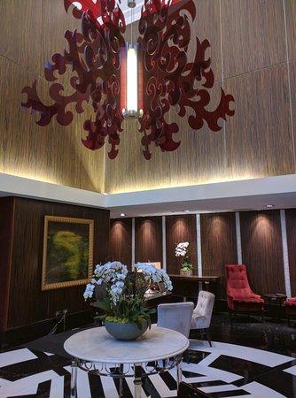 L'Hermitage Hotel: Lobby