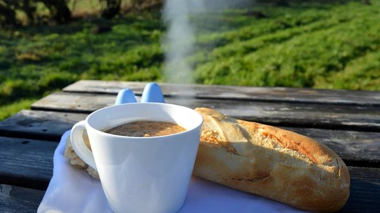 Westow, UK: Enjoy hot soup on a cold day or choose from our selection of meals to accompany your tour.