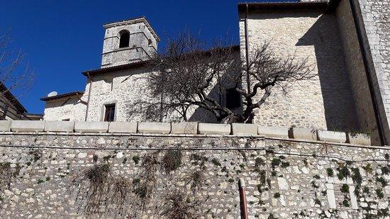 Labro, Italy: Vista dal basso