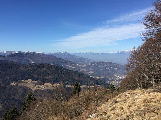 Monte Frontal Melere di Trichiana . Belvedere sul Col Visentin, Pian de le Femene e Pianezze di