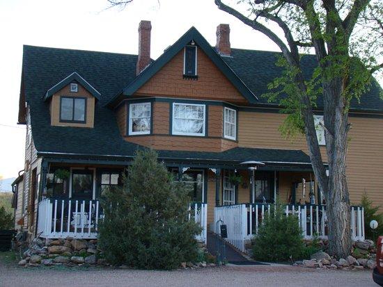 Historic Log Cabins: The Big House