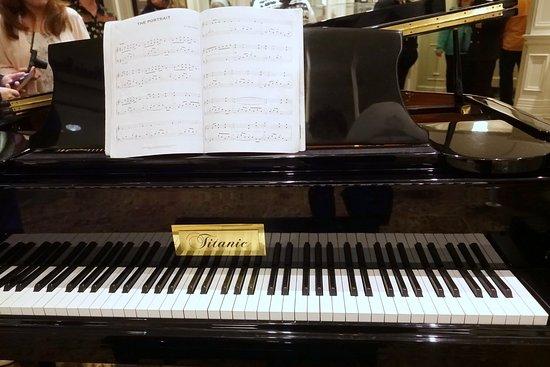 Titanic Museum: Piano