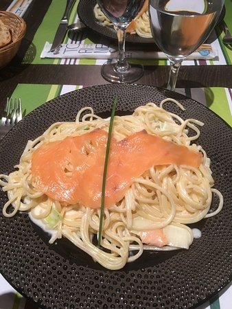 Draveil, Francia: Linguinis au saumon