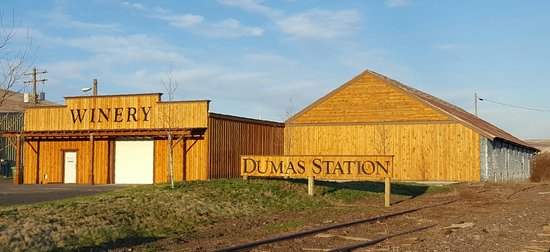 Dayton, WA: Outside landscape of Dumas Station Winery