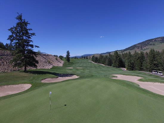 Kelowna, Canada: Looking back on our beautiful finishing hole #18