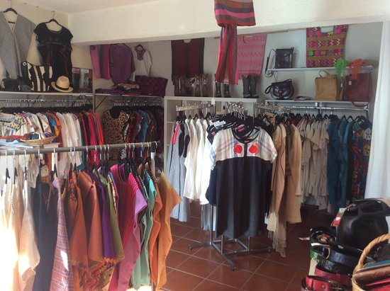 Todos Santos, Messico: Textiles from all over Mexico.