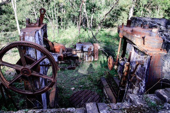 Wolgan Valley, Australia: collection of old mining equipment