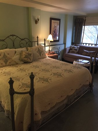 Palace Hotel Port Townsend: Charming Genevieve room at the Palace hotel