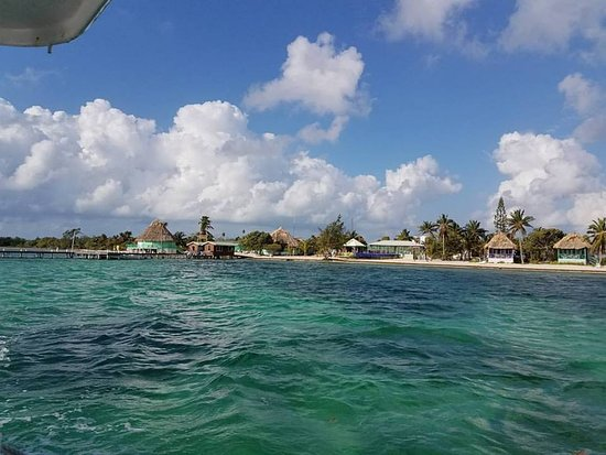 Turneffe Island, Belize: Headed out for an amazing dive.
