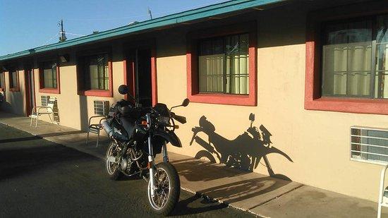 Starlite Motel: Outside Room 115