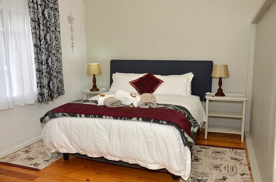 Somerset East, South Africa: studio - queen bed