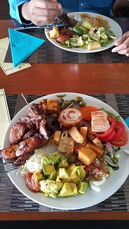 The Kitchen : buffet