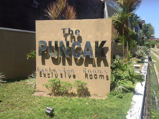 The Puncak sign on arrival driving up the hill