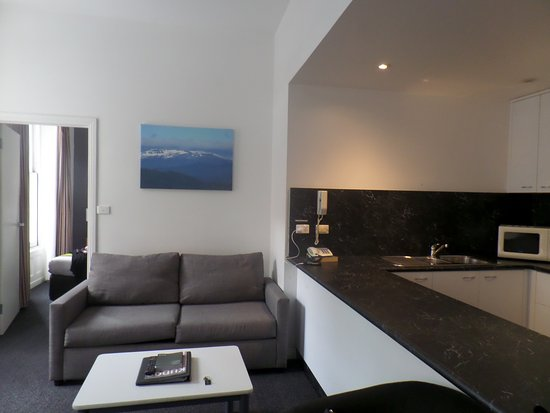 Kitchen & lounge area - Picture of Quest Savoy, Hobart - TripAdvisor