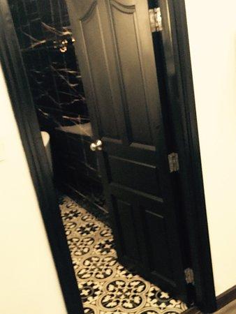 A&Em Signature Hotel: vip room