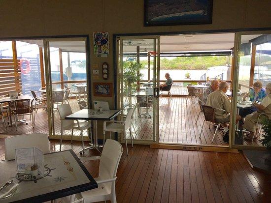 Paradise Marina Cafe : photo6.jpg